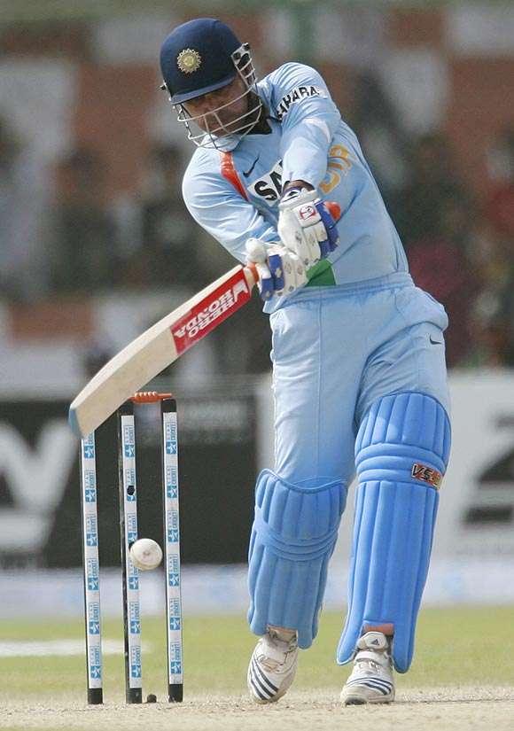 जहीर खान के नाम दर्ज है बल्लेबाजी का ऐसा रिकॉर्ड जो आज तक नहीं बना सके धोनी और कोहली जैसे दिग्गज 4