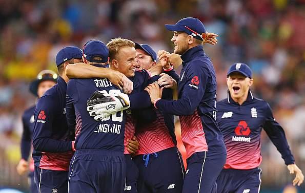 कंगारूओं पर अपने पंजे से शिकार करने के बाद खुश हुआ है इंग्लिश युवा तेज गेंदबाज, कही ये बड़ी बात 2