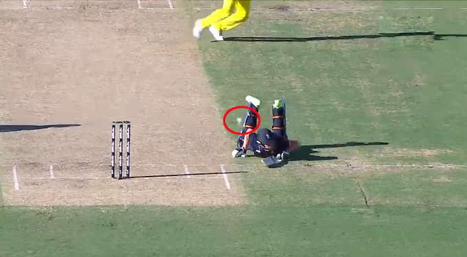 AUSvENG: तीसरे वनडे में ये दोनों ही बल्लेबाज पहुँच गए एक ही साइड लेकिन दोनों रहे नॉट आउट हुआ कुछ ऐसा जिस पर नहीं आयेगा आपको यकीन 2
