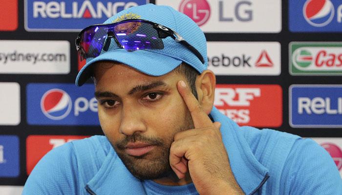 धवन, कार्तिक या रैना नहीं बल्कि रोहित शर्मा ने निदहास ट्रॉफी जीतने का पूरा श्रेय इस खिलाड़ी को दिया 11