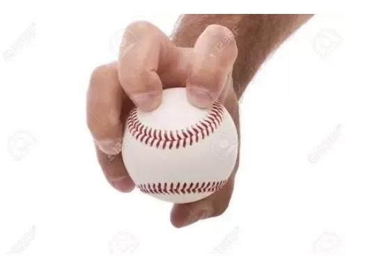 जाने भुवनेश्वर कुमार द्वारा फेंकी जाने वाली नकल बॉल क्या होती है और सबसे पहले किसने की थी ये गेंद? 3