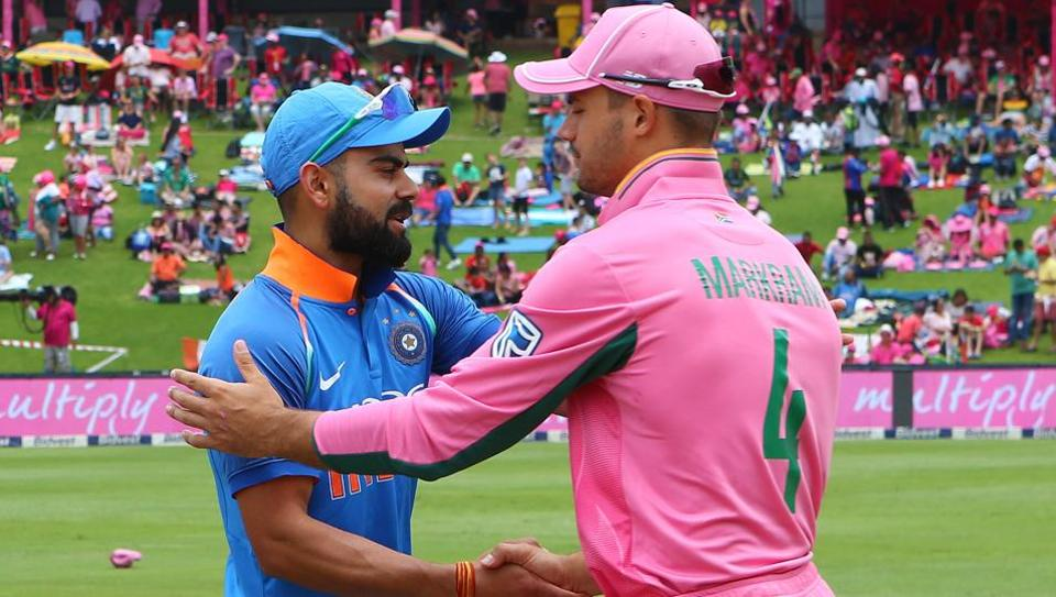सुनील गवास्कर ने सीधे तौर पर विराट कोहली के इस फैसले को बताया चौथे वनडे में मिली हार का जिम्मेदार 3