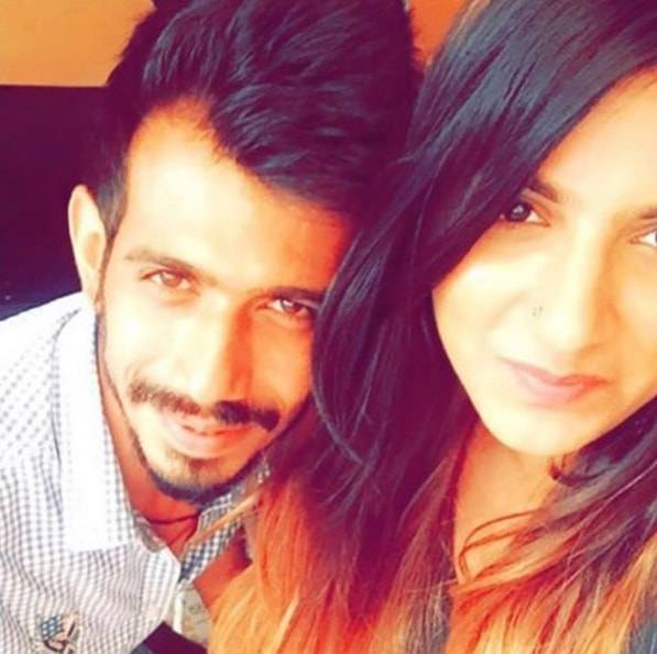PHOTOS- टीम इंडिया के स्टार खिलाड़ी युजवेन्द्र चहल प्यार की पिच पर हुए क्लीन बोल्ड, इस हसीना पर आया चहल का दिल 11