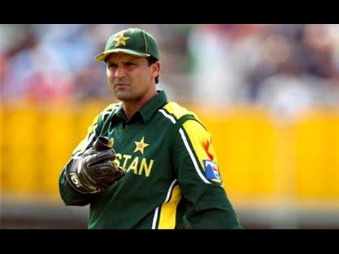 महेंद्र सिंह धोनी से पहले ये है वो 4 खिलाड़ी जिन्होंने पुरे किये है विकेट के पीछे 400 विकेट 5