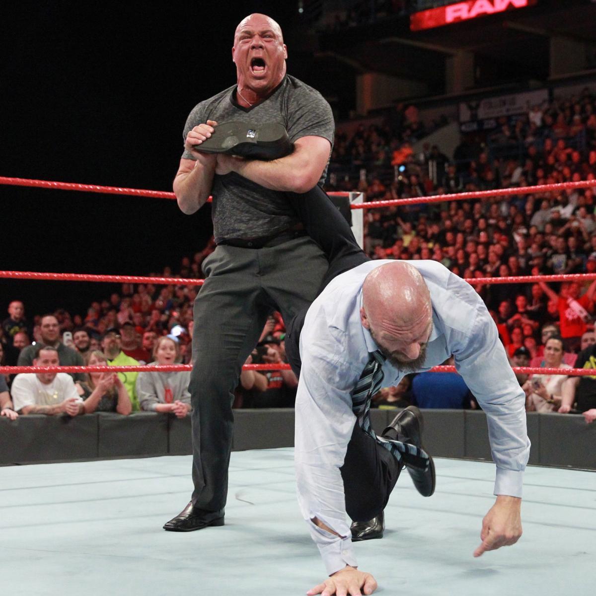 WWE RAW रिजल्ट 6 मार्च 2018: ये रहे मैचो के रिजल्ट्स 11