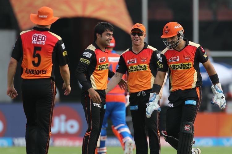 IPL 2018: हाशिम अमला नहीं बल्कि यह विस्फोटक बल्लेबाज सनराइजर्स हैदराबाद की टीम में लेगा डेविड वार्नर की जगह 15