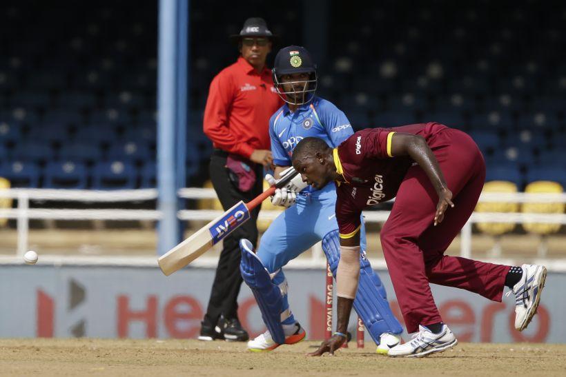 शुरू होने से पहले ही विवादों में आया वेस्टइंडीज का भारत दौरा, इस दिग्गज कांग्रेस नेता ने किया कुछ ऐसा की हरकत में आई बीसीसीआई 15