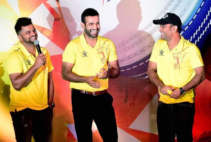 इरफ़ान पठान का आरोप शुरू में गेंदबाजो को कंट्रोल करते थे महेंद्र सिंह धोनी 12
