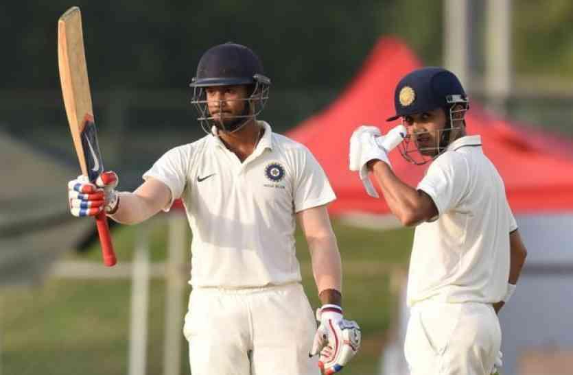 ये हैं भारत के वो दिग्गज बल्लेबाज जिन्होंने किसी एक सीजन में बनाये है सबसे ज्यादा रन, विराट और पुजारा नहीं है टॉप पर 14