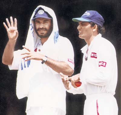 Income tax seized two accounts of former cricketer navjot singh siddhu