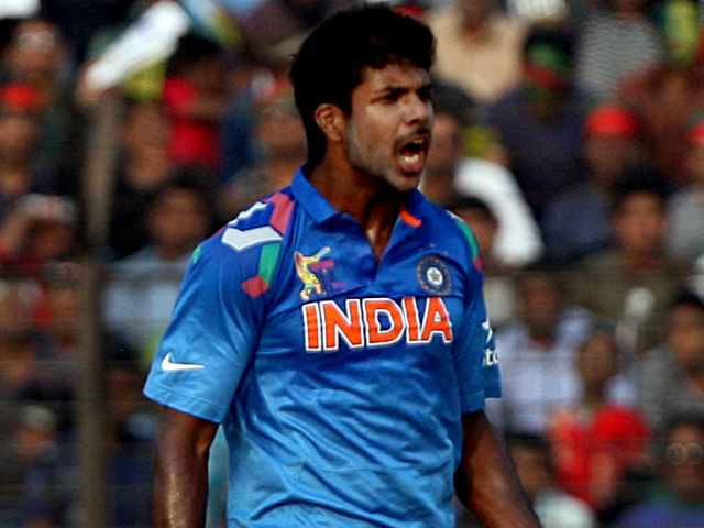 भारतीय तेज गेंदबाज वरुण आरोन ने सचिन से ज्यादा राहुल द्रविड़ को गेंद करना बताया मुश्किल 6