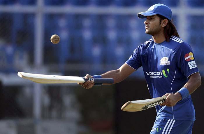 119.58 के स्ट्राइक रेट से IPL में रन बनाने वाले इस भारतीय खिलाड़ी के साथ रोहित शर्मा कर रहे है भेदभाव, नहीं दिया अब तक एक भी मैच खेलने का मौका 2