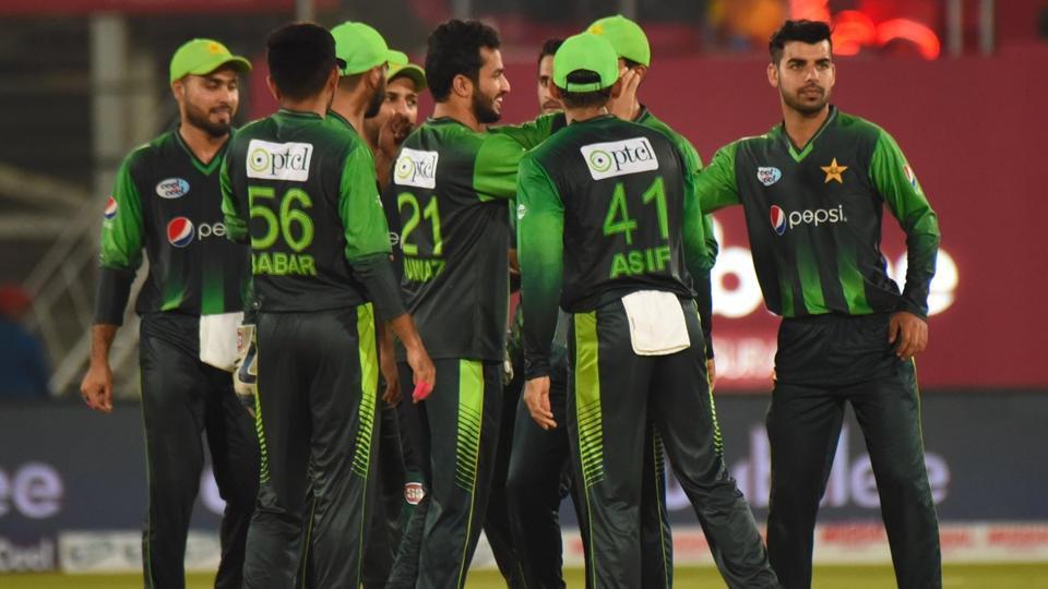 पाकिस्तान क्रिकेट बोर्ड ने अब इन 2 देशों को दी पाकिस्तान में आकर टी-20 खेलने की चुनौती 16