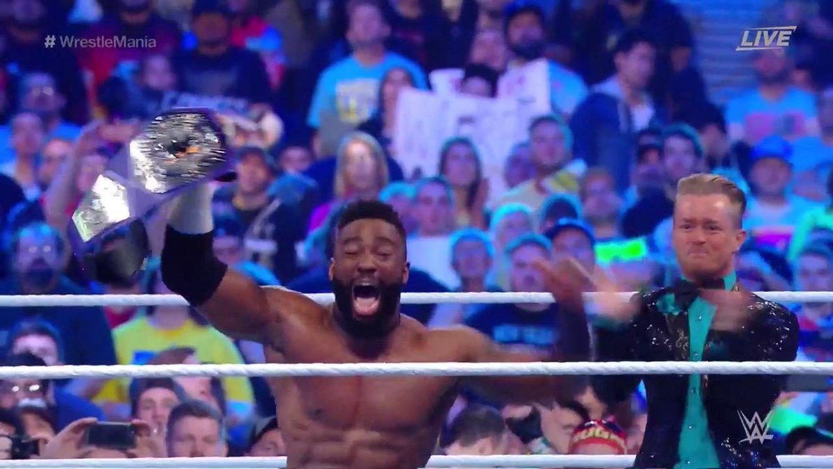 WWE Wrestlemania 34: एंजो अमोरे को सस्पेंड किये जाने के काफी दिन बाद आज मिला WWE को नया क्रूजरवेट चैंपियन 12
