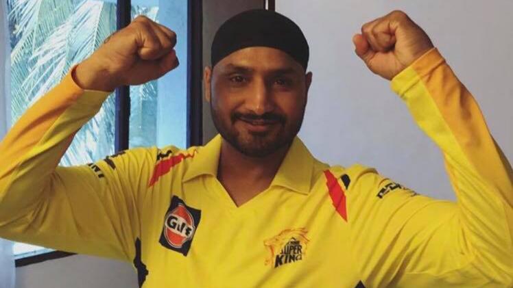 भज्जी है उत्साहित चेन्नई सुपर किंग्स के आईपीएल फाइनल जीतते ही रैना, धोनी को पीछे छोड़ इस मामले में आगे निकल जायेंगे भज्जी 11