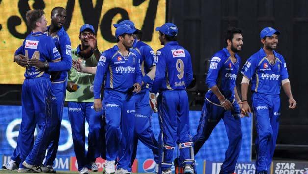 राजस्थान को कल रात मिली शर्मनाक हार के बाद भड़के शेन वार्न तो ये क्या कह गये पूर्व ऑस्ट्रेलिया कप्तान माइकल क्लार्क 1