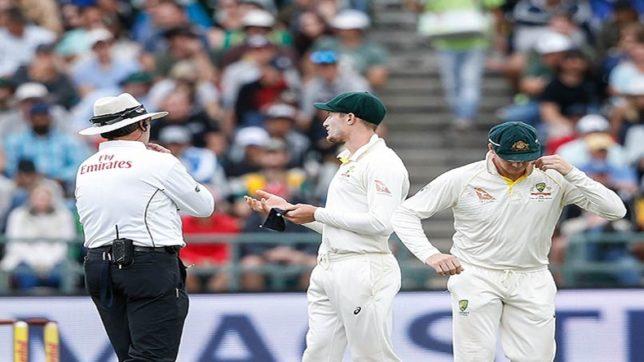 रिवर्स स्विंग के सुल्तान माने जाने वाले पाकिस्तान के पूर्व तेज गेंदबाज सरफराज नवाज ने बताया बिना बॉल टेम्परिंग के कैसे कराया जा सकता है रिवर्स स्विंग 1