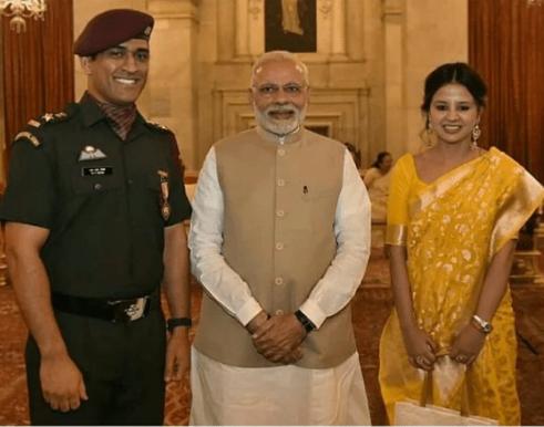 किसने क्या कहा : धोनी को मिला पद्म भूषण तो कैफ और वीवीएस लक्ष्मण ने दी धोनी को बधाई, लेकिन ये क्या बोल गये कोच रवि शास्त्री