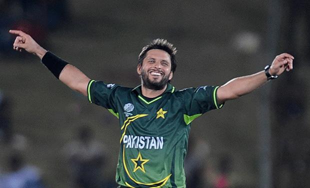 कश्मीर पर एक और पाक क्रिकेटर के नापाक बोल, अफरीदी को बताया 'नैशनल हीरो' 8