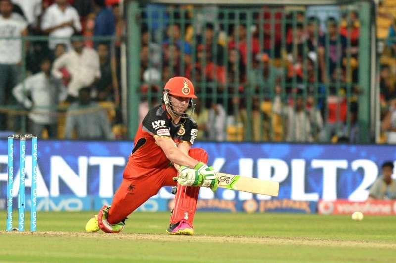पंजाब के खिलाफ आरसीबी की जीत में अहम भूमिका निभाने वाले उमेश यादव को नहीं, बल्कि इन गेंदबाजो को जीत का श्रेय देते नजर आये डीविलियर्स