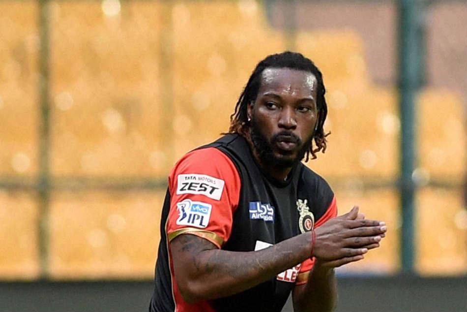 IPL 2018 का पहला शतक लगाने के बाद बाकि आईपीएल फ्रेंचाइजी के मालिकों पर भड़के क्रिस गेल ने खुलेआम कही ये बात 1
