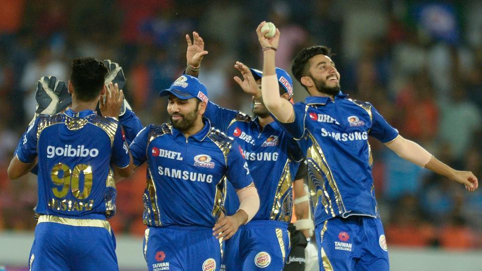 MIvRCB: मैच से ठीक पहले मुंबई इंडियन्स ने किया अपनी अंतिम XI का ऐलान, इस खिलाड़ी की हुई टीम में वापसी 32