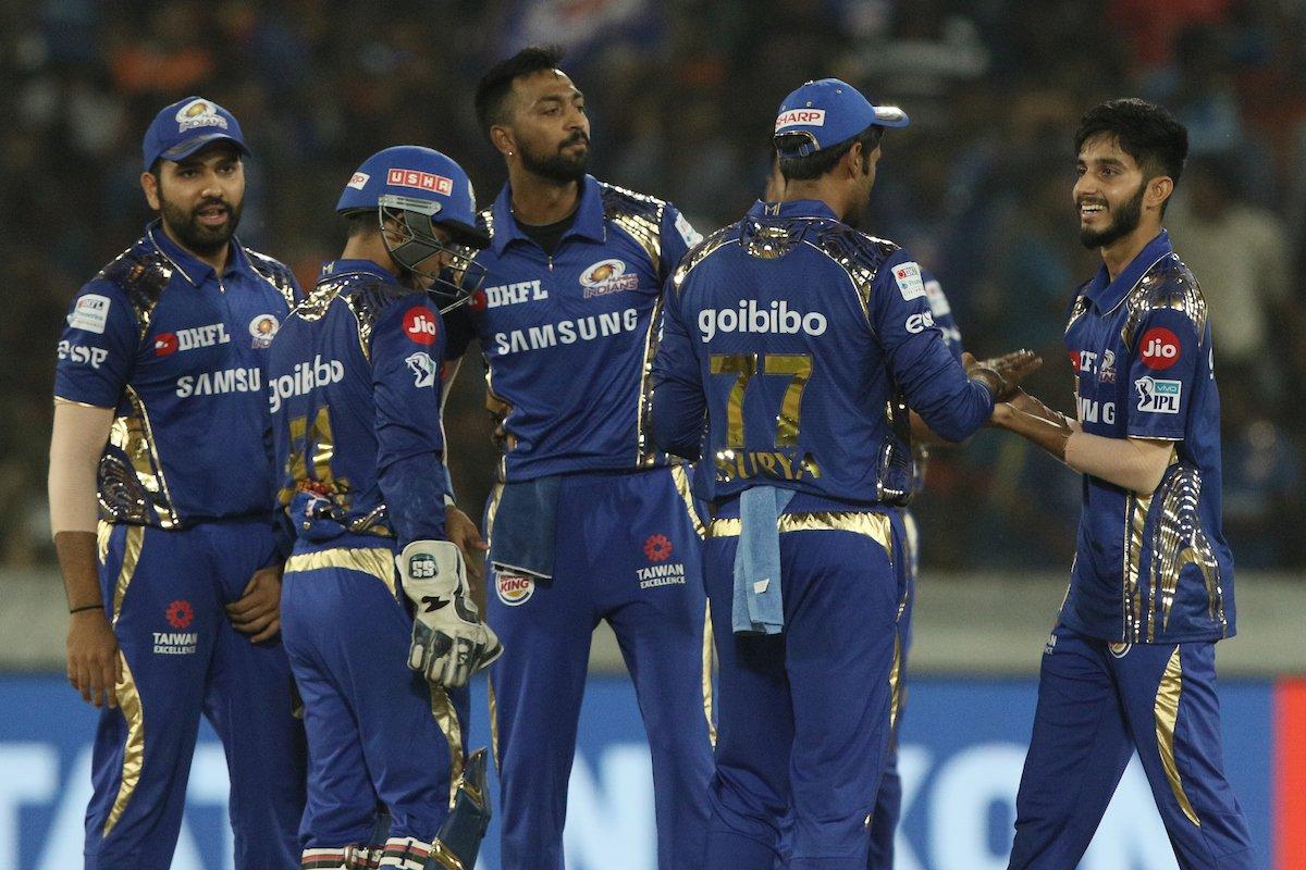 तीन लगातार हार के बाद मुंबई इंडियन्स के बचाव में आया बॉलीवुड का यह दिग्गज अभिनेता, कहा- तेज लहरों की तरह अचानक ऊपर उठेगी मुंबई 1