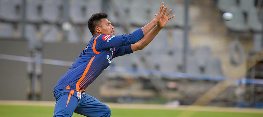 MIvRCB: मैच से ठीक पहले मुंबई इंडियन्स ने किया अपनी अंतिम XI का ऐलान, इस खिलाड़ी की हुई टीम में वापसी 12