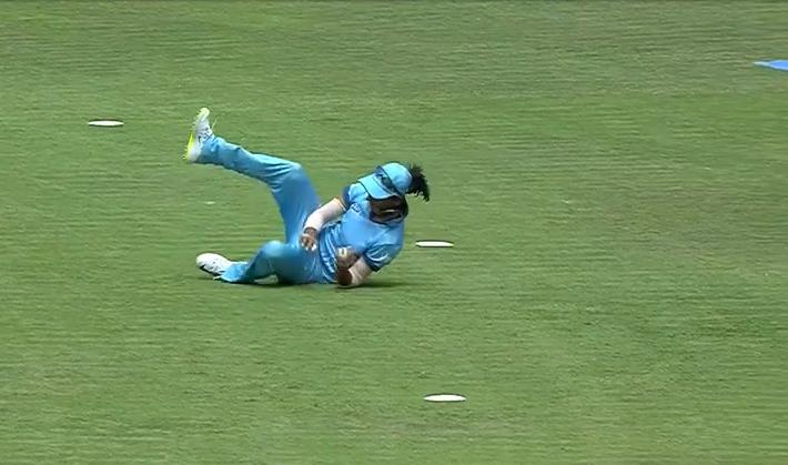 VIDEO: महिला आईपीएल में दिखा हरमनप्रीत कौर का सुपरवुमेन अवतार, पकड़ा इस सदी का सर्वश्रेष्ठ कैच 1