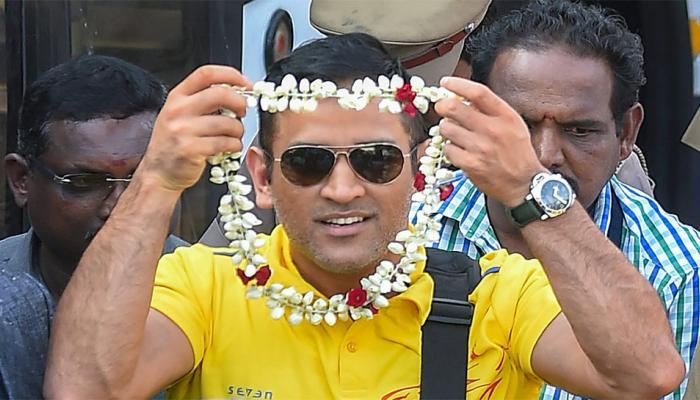 """आईपीएल 2018 में धोनी ने इन मामलों में विराट को भी छोड़ा और कहा, """"धोनी अभी जिंदा है"""" 3"""
