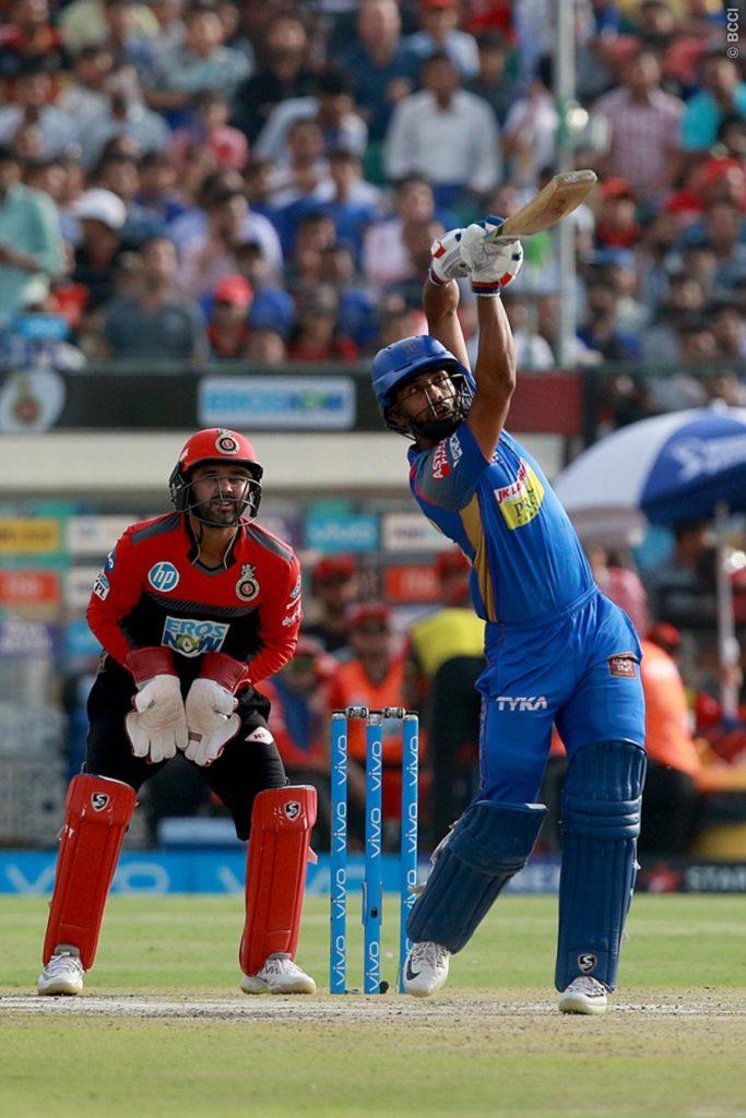 RRvsRCB : विराट की इन दो बड़ी गलतियों की वजह से आरसीबी की टीम को करना पड़ा 30 रन से हार का सामना 2