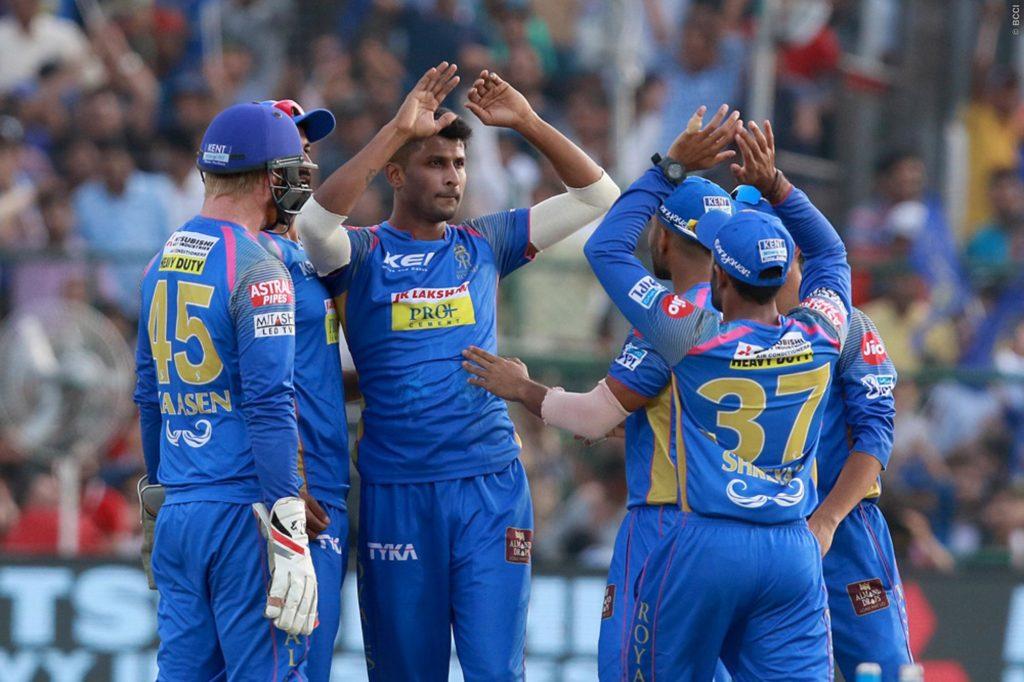 STATS : आरसीबी और राजस्थान के मैच पर बने कुल 9 रिकॉर्ड, विराट ने बनाया इतिहास का सबसे शर्मनाक रिकॉर्ड 1