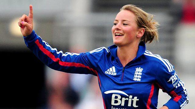 विराट कोहली के बाद अब इस क्रिकेटर पर आया इंग्लैंड की महिला क्रिकेटर डेनियल वायट का दिल, दोनों की बातचीत की चैट आई सामने 9
