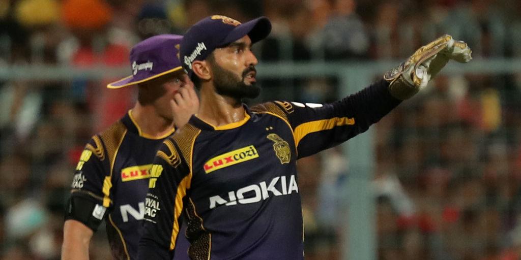 हैदराबाद के खिलाफ हार से कैप्टन कूल दिनेश कार्तिक ने खोया आपा इस युवा खिलाड़ी को दी गालियाँ, स्टम्प माइक में हुआ रिकॉर्ड 2