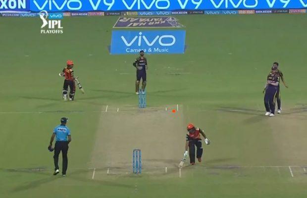 हैदराबाद के खिलाफ हार से कैप्टन कूल दिनेश कार्तिक ने खोया आपा इस युवा खिलाड़ी को दी गालियाँ, स्टम्प माइक में हुआ रिकॉर्ड 1