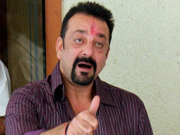 बॉलीवुड के दिग्गज अभिनेता संजय दत्त ने इस भारतीय क्रिकेटर को बताया अपना पसंदीदा 3