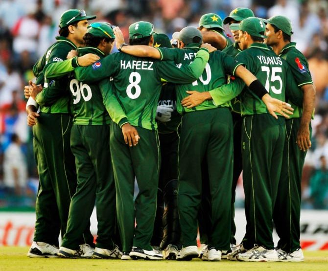 इस वजह से जिम्बाब्वे के खिलाफ बिना फील्डिंग कोच के खेलेगा पाकिस्तान 1
