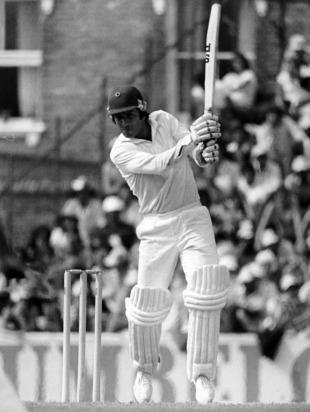 टेस्ट मैच के पहले दिन के पहले सत्र में शतक लगाने वाले दुनिया के 6 वें बल्लेबाज बने शिखर धवन, ये है वो 5 5