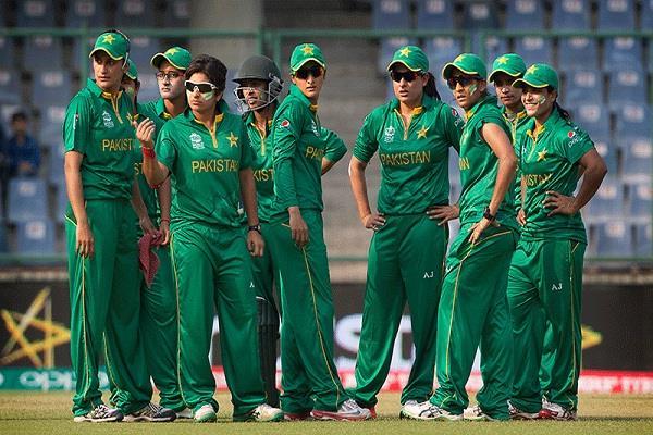 भारतीय महिला टीम ने पाकिस्तान को दी 7 विकेट से दी मात, तो वीरेंद्र सहवाग ने 7 के अजीबोगरीब संयोग पर कही ये बात 2