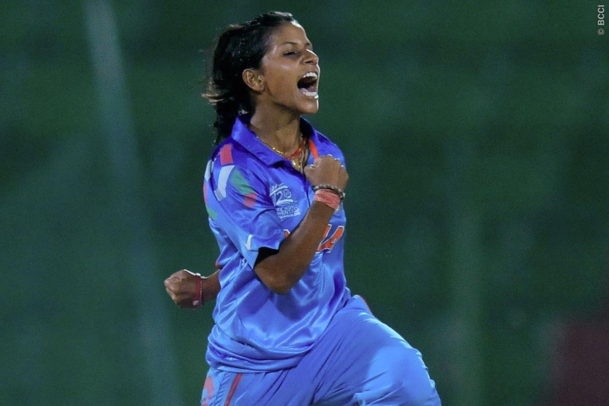 आईसीसी की महिलाओं की टी20 रैंकिंग में गेंदबाज पूनम यादव ने लगाई लंबी छलांग, जाने किसने जमाया है टॉप पर कब्जा 11