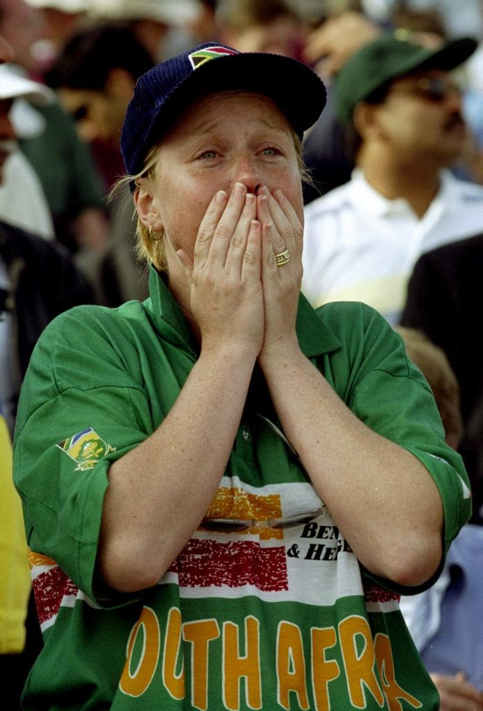 आज ही के दिन 20 साल पहले खेला गया था क्रिकेट इतिहास का सबसे रोचक मैच, जानिए मैच में कैसे रहा रोमांच अपने चरम पर 2