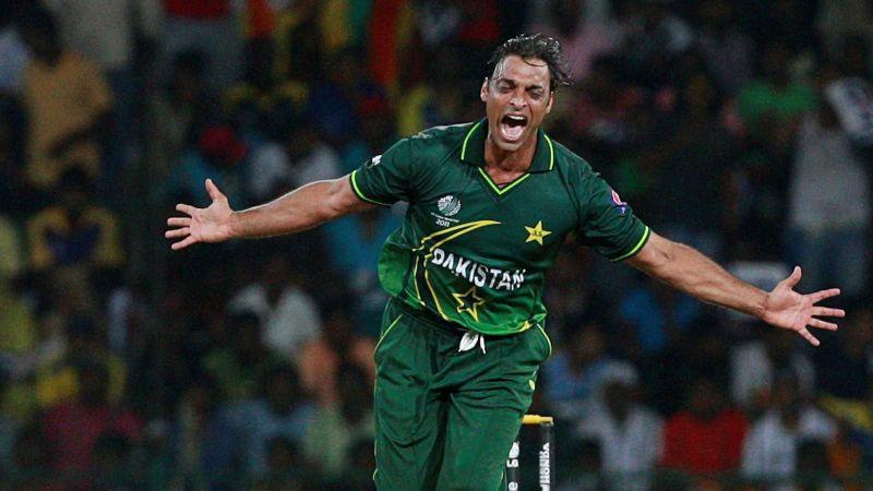 क्रिकेट इतिहास की 3 सबसे खतरनाक ओवर, जब गेंदबाजी देख पसर गया था मैदान पर सन्नाटा 16