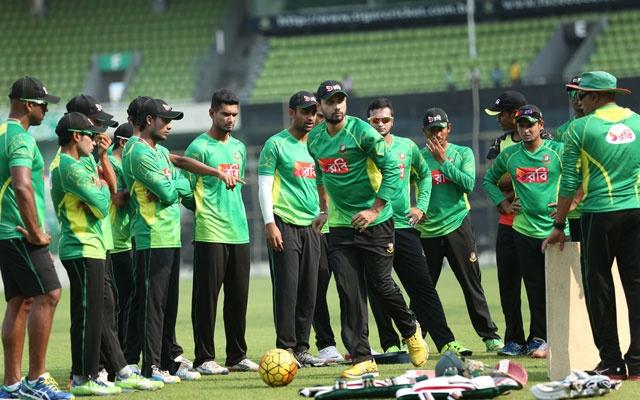 शर्मनाक रिकॉर्ड : वेस्टइंडीज के खिलाफ लंच से पहले ही बांग्लादेश मात्र 43 रन पर हुई आउट 18