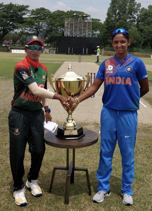 किसने क्या कहा: इस बड़ी गलती से गंवानी पड़ी टीम इण्डिया को महिला एशिया कप का खिताब, देख सोशल यूजरों ने कुछ इस तरह से व्यक्त किया अपना गुस्सा 17