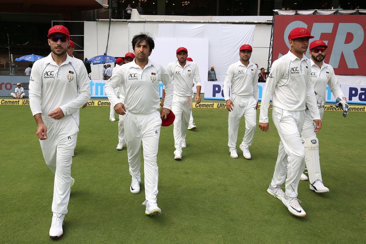 किसने क्या कहा: एक पारी और 262 रन से हारने के बाद अफगानिस्तान को लेकर सोशल मीडिया पर आये ऐसे कमेन्ट देखकर नहीं रुकेगी हंसी 1