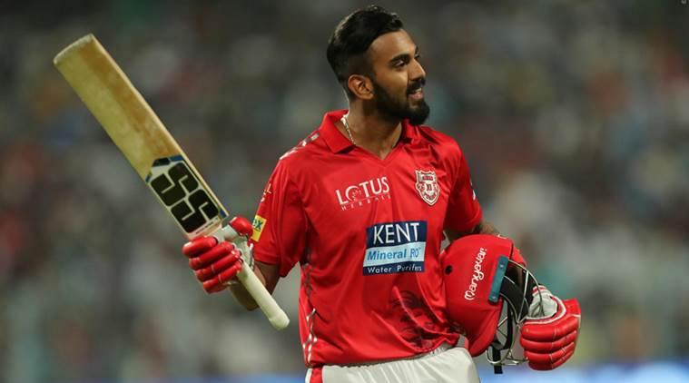 वीरेंद्र सहवाग के कड़े बोल इस दिग्गज खिलाड़ी को बाहर कर दिया जाए लोकेश राहुल को टीम में मौका 3