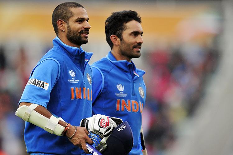 वीरेंद्र सहवाग के कड़े बोल इस दिग्गज खिलाड़ी को बाहर कर दिया जाए लोकेश राहुल को टीम में मौका 2