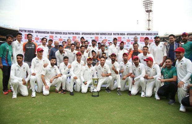 ट्रॉफी जीतने के बाद भी भारतीय टीम ने अफगानिस्तानी खिलाड़ियों को विजेता ट्रॉफी देकर खिंचवाई थी तस्वीर अब प्रधानमंत्री मोदी ने कही दिल छु जाने वाली बात 1