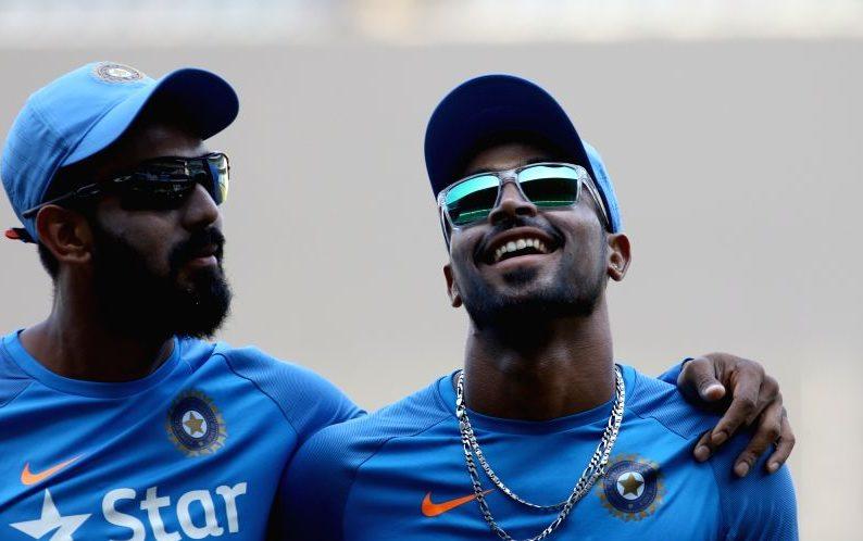 राहुल और हार्दिक ने कोहली को बताया सचिन को बेहतर, तो लोग उड़ा रहे ट्विटर पर मजाक 1