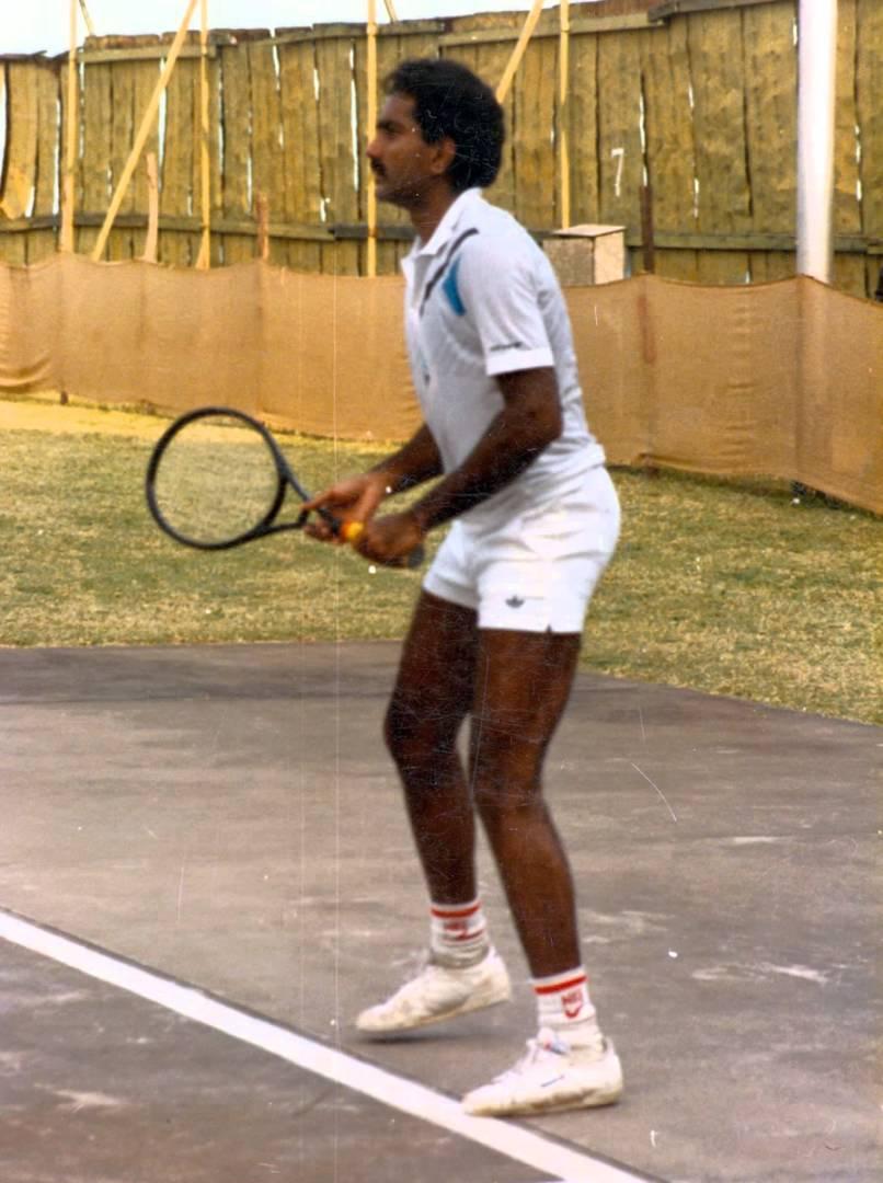 यह दिग्गज खिलाड़ी क्रिकेट और टेनिस दोनों खेल चुका है अपने राष्ट्रीय टीमों के लिए 2